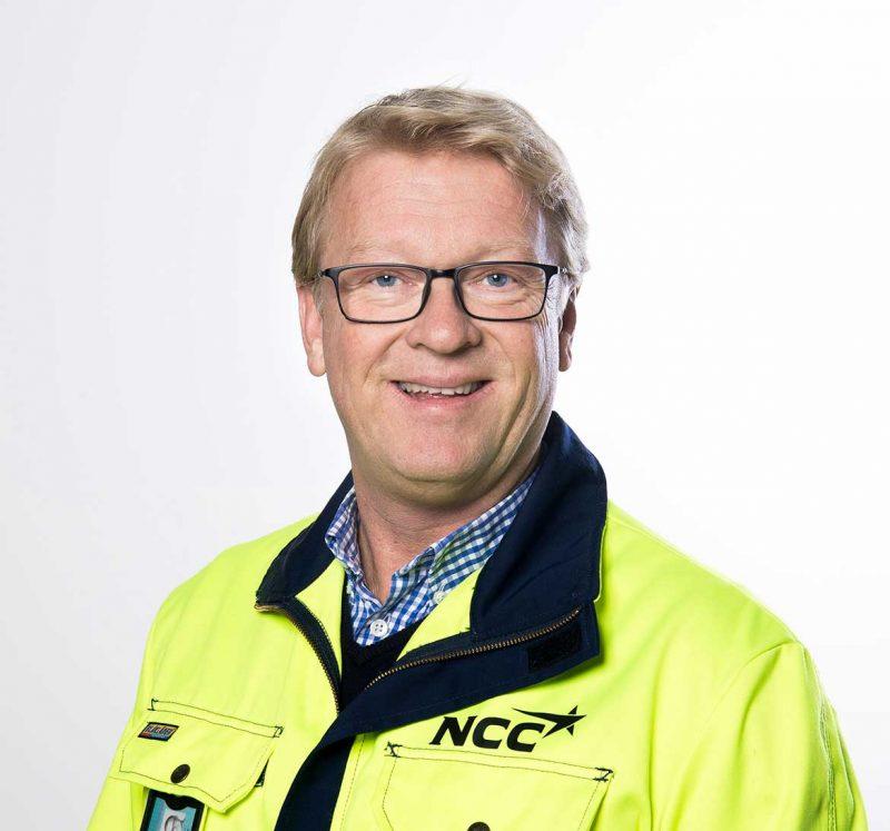 Morten Larsen, HMS